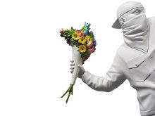 他の写真2: MEDICOM TOY Sync. × BRANDALISM FLOWER BOMBER/メディコムトイ シンク ブランダリズム Banksy(バンクシー)スタチュー(TOYフィギア)